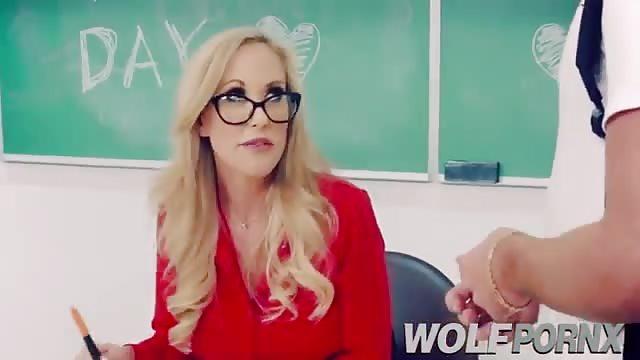Milf Teacher Seduce 18yr old Boy to Fuck Redtube Free.