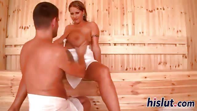 Follando En La Sauna