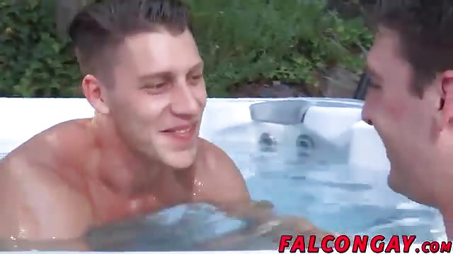 Featured Wife Nude Hot Tub Porn Pics Xhamster