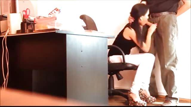 порно скрытая камера минет офис