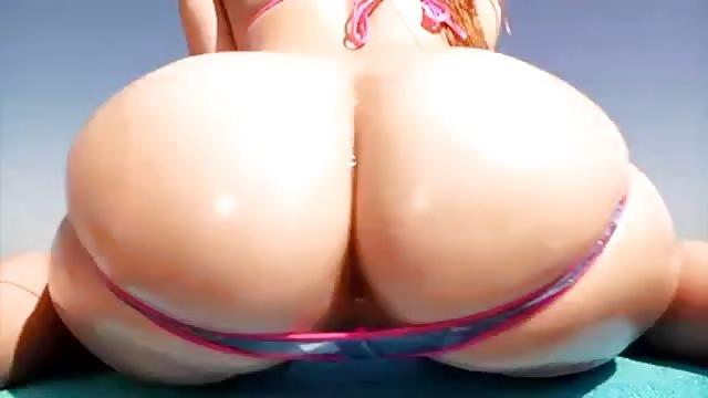 Jillian Janson joue avec son petit cul